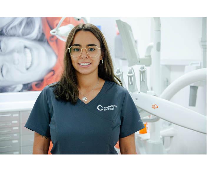 Mònica Cortés - Carreras Dental Terrassa