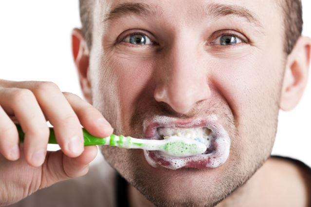 Com raspallar-se les dents - Carreras Dental - Terrassa